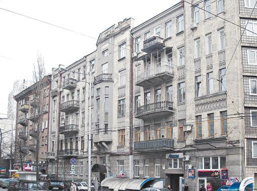 На пятом этаже дома на улице Шота Руставели, 23, жил и творил писатель Леонид Волынский. Фото М.Кальницкого